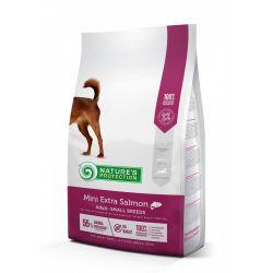 מזון יבש לכלבים בוגרים מגזע קטן עם רגישויות בעור ולשמירה על חיוניות הפרווה בטעם סלמון